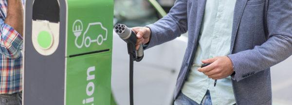 Apple Maps indiquera aux propriétaires de véhicules électriques où ils pourront se ravitailler lors d'un trajet.