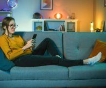 Le smartphone, l'appareil favori pour la lecture de livres numériques